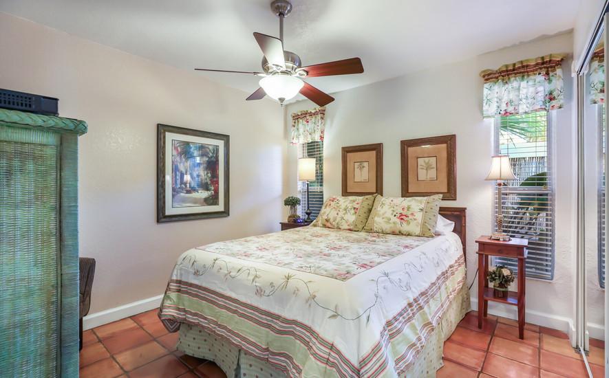 Orchid Villa Queen bedroom