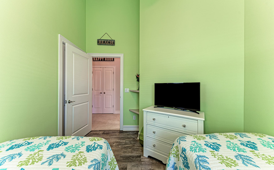 Cable TV in all Bedrooms