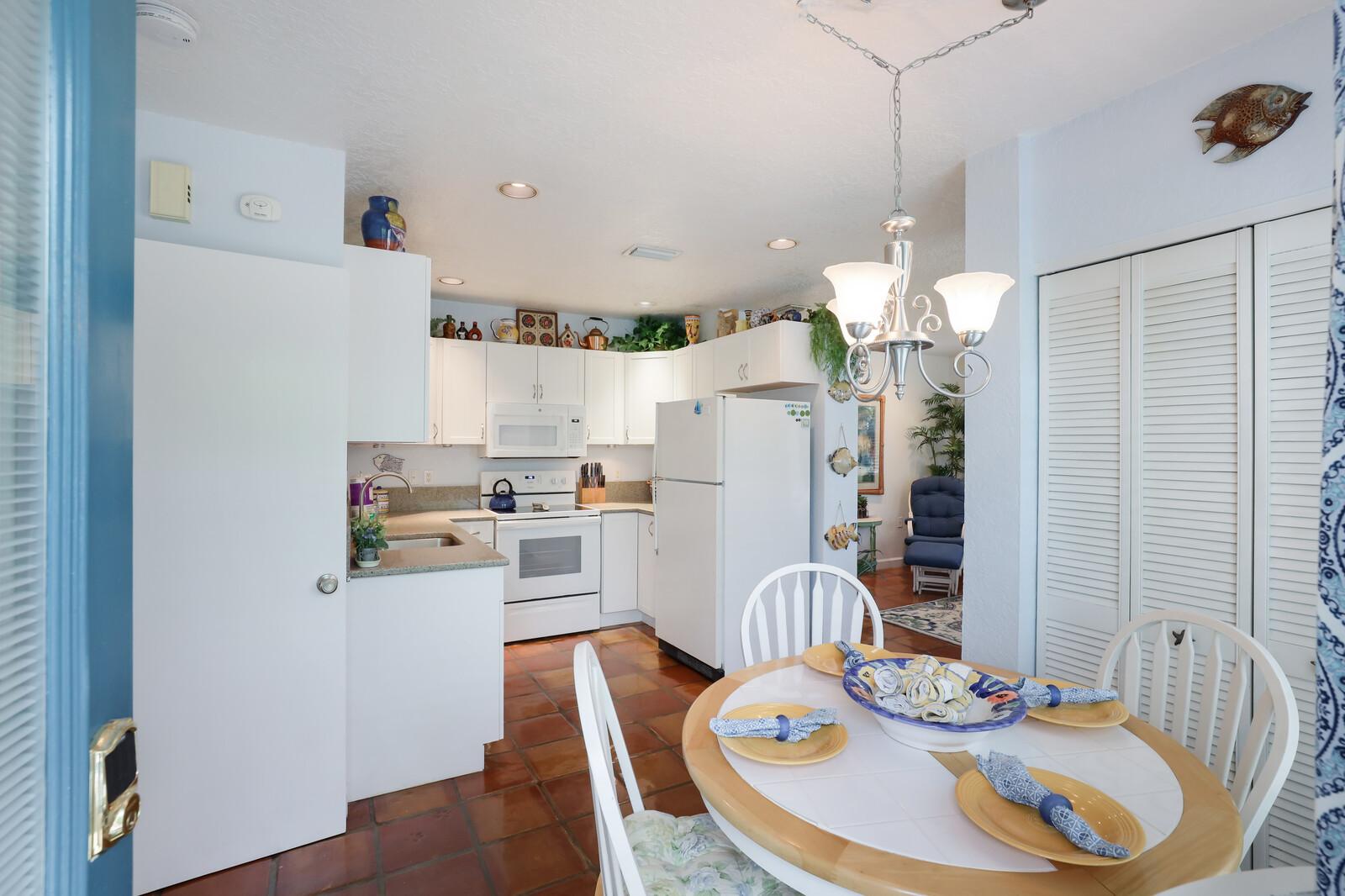 Oleander Villa kitchen and dining