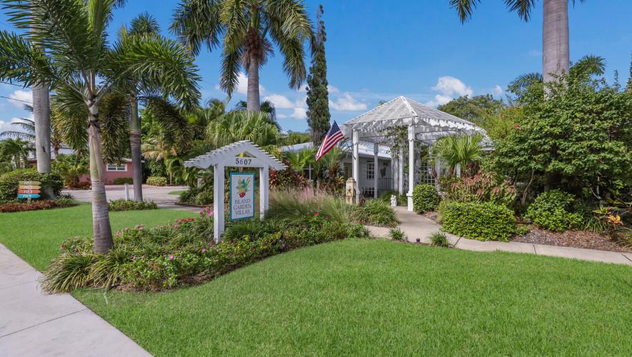 Island Garden Villas Entrance