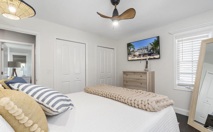 Tv in third bedroom