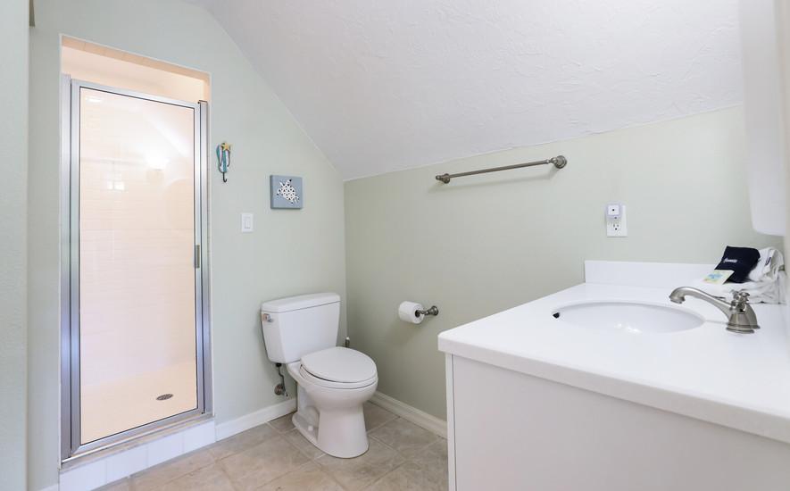Master bathrom suite