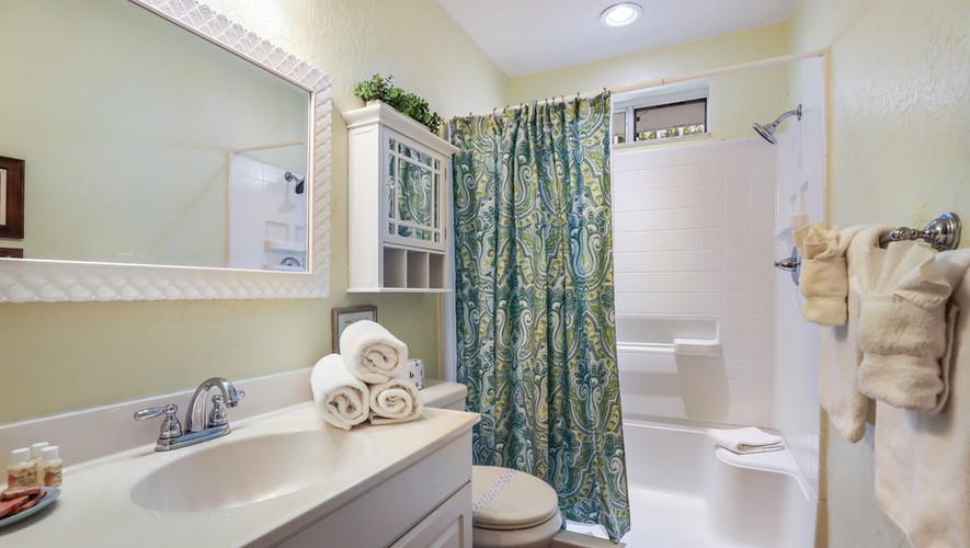 Palm Villa walk in shower