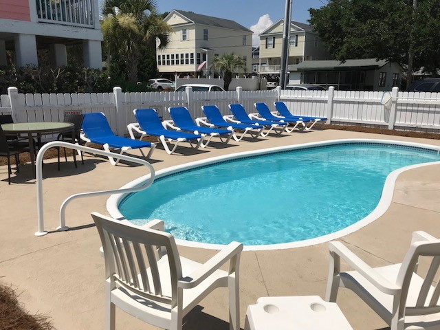 4 Flam Pool New Chairs