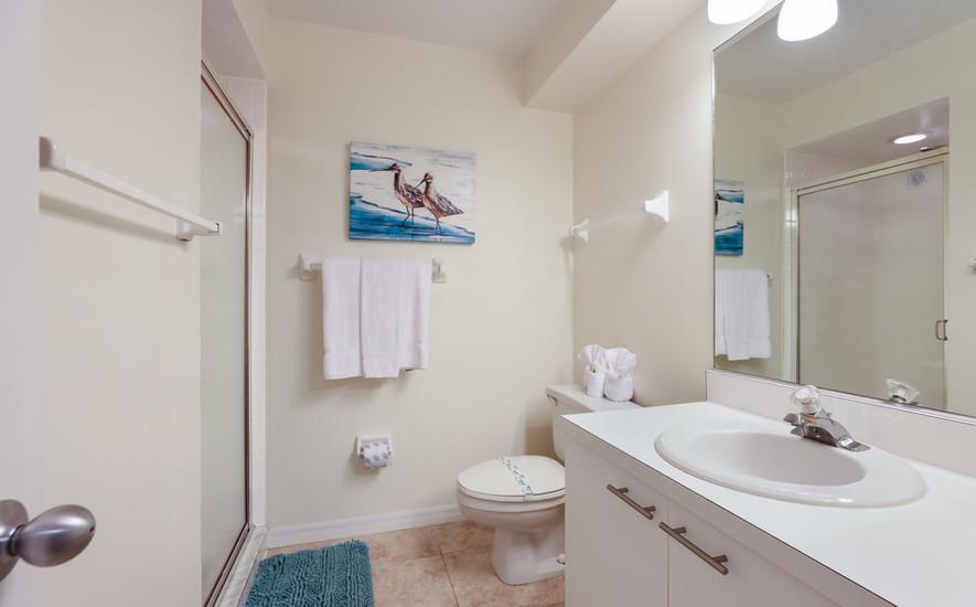 Pelican Guest Bath
