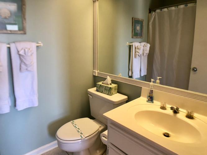Queen bedroom en-suite