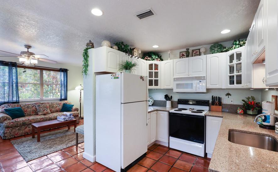 Hibiscus villa kitchen