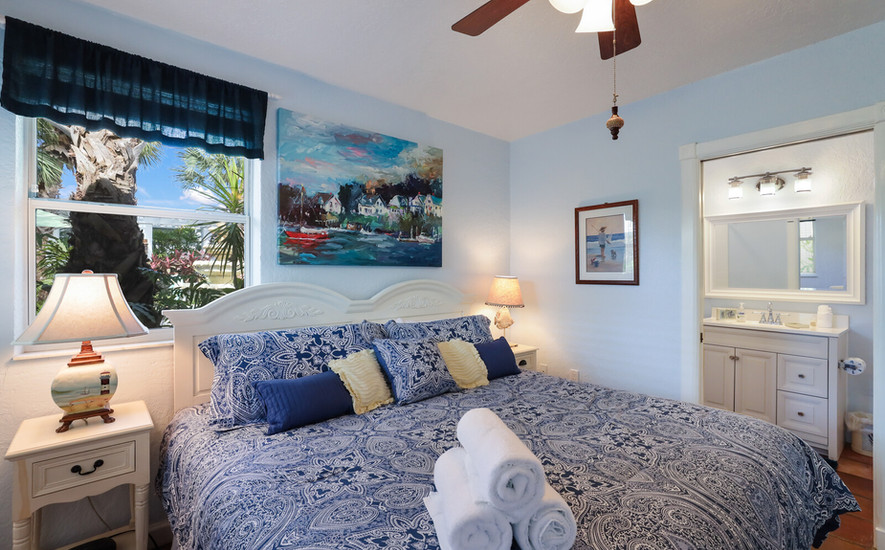 Oleander Villa bedroom and attached bath