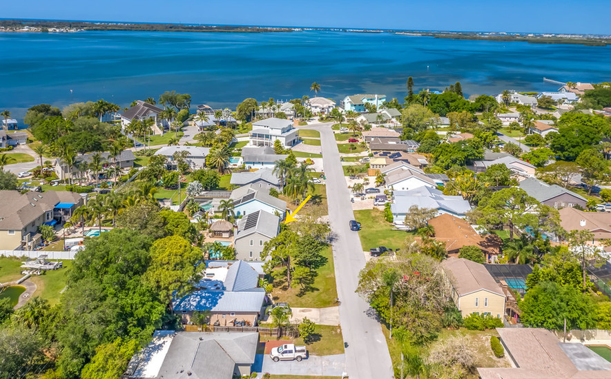 Awesome location, convenient to both AMI and Bradenton
