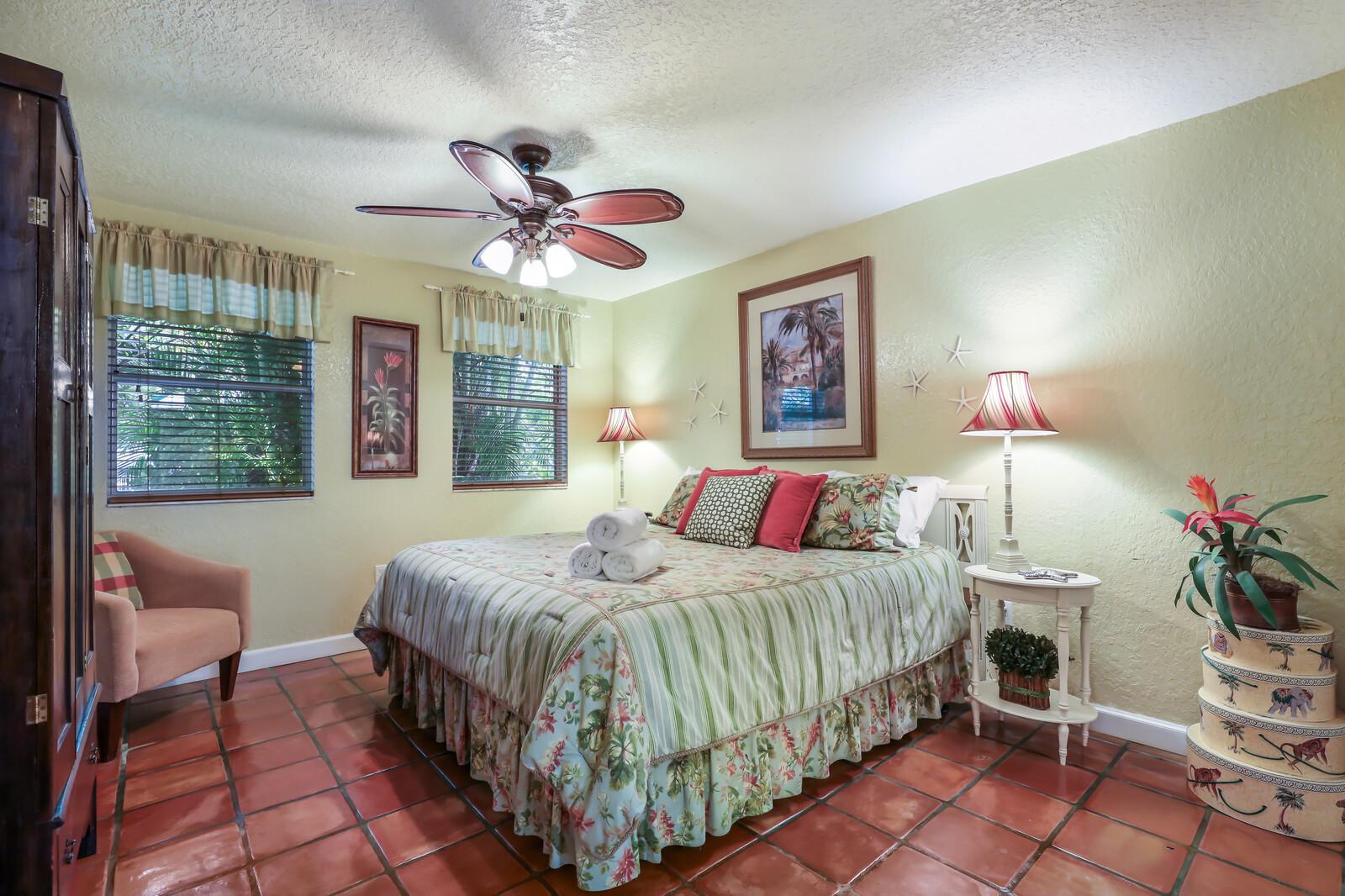 Palm Villa King bedroom