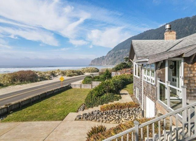 Outside Oceanfront Edgewater Manzanita House
