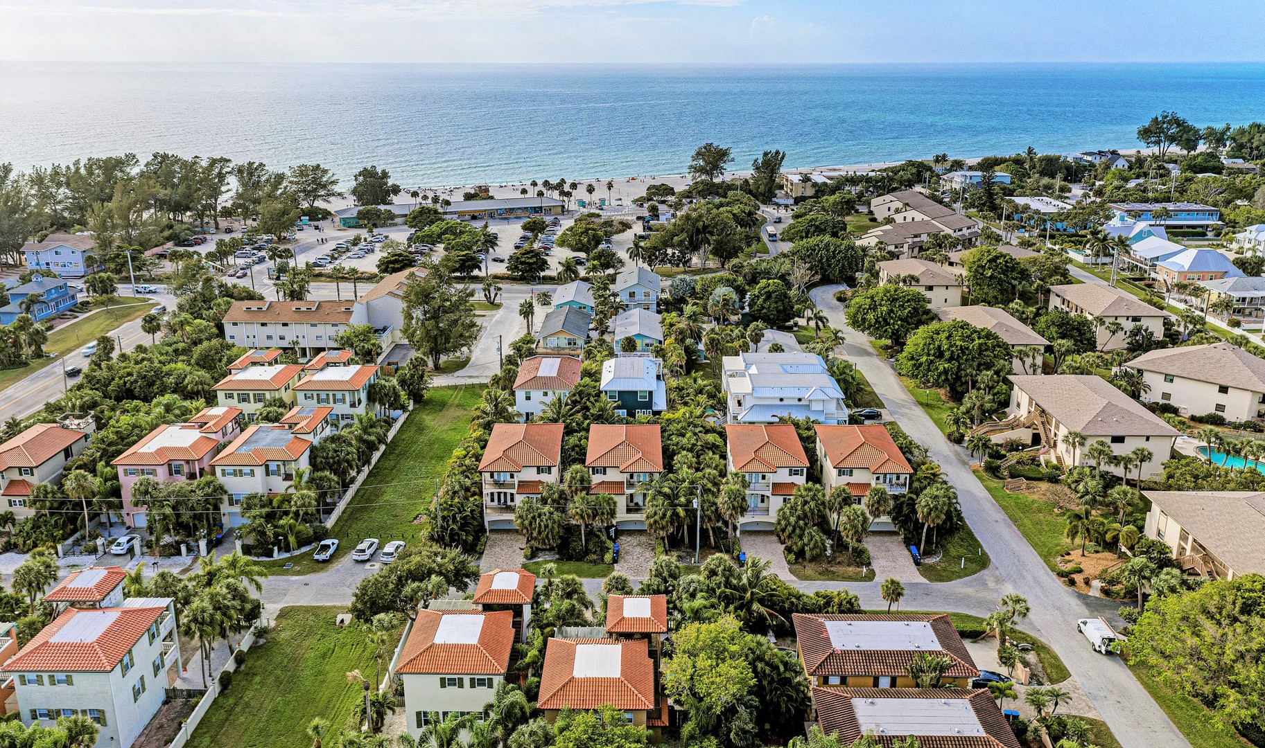 Aerial view - Only 4 houses to the beach