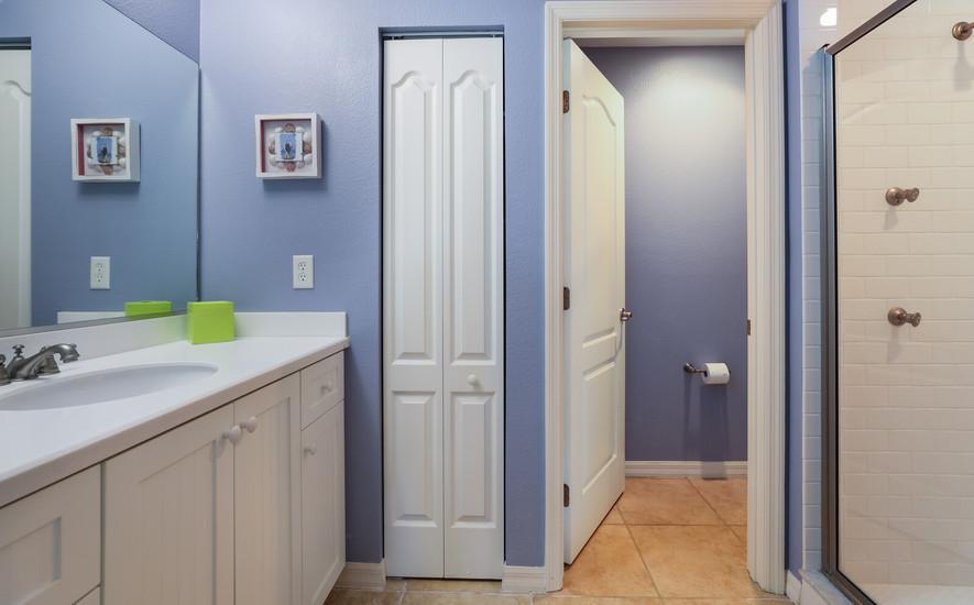 Third bedroom, ensuite bathroom
