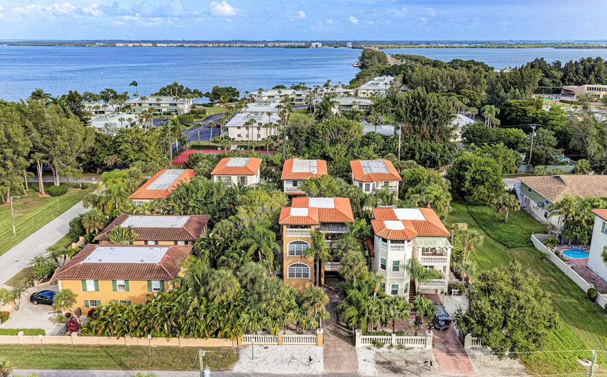 Close to beach and bay