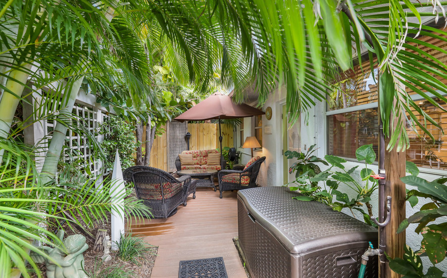 Palm Villa secluded patio