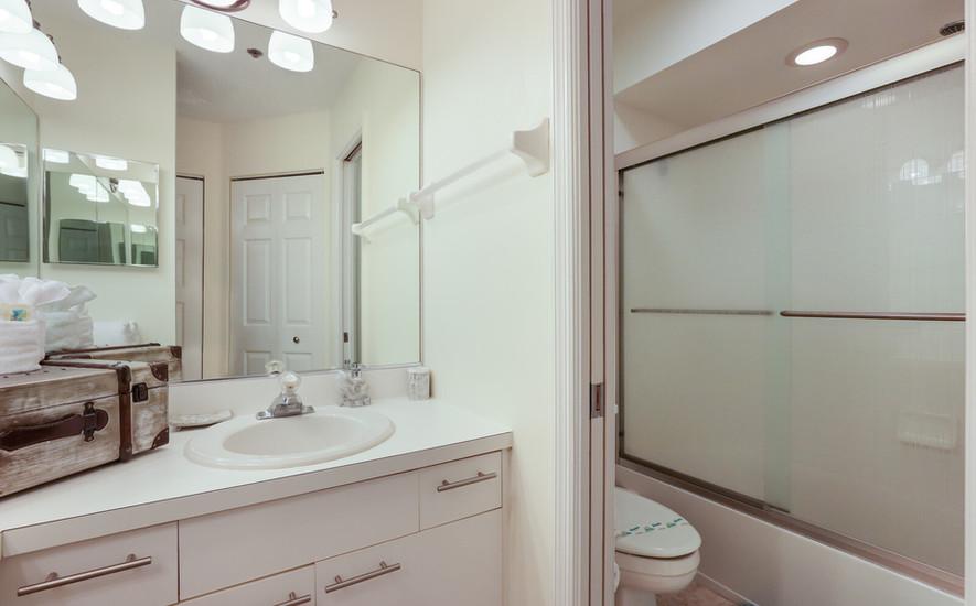 Pelican Bathroom 1