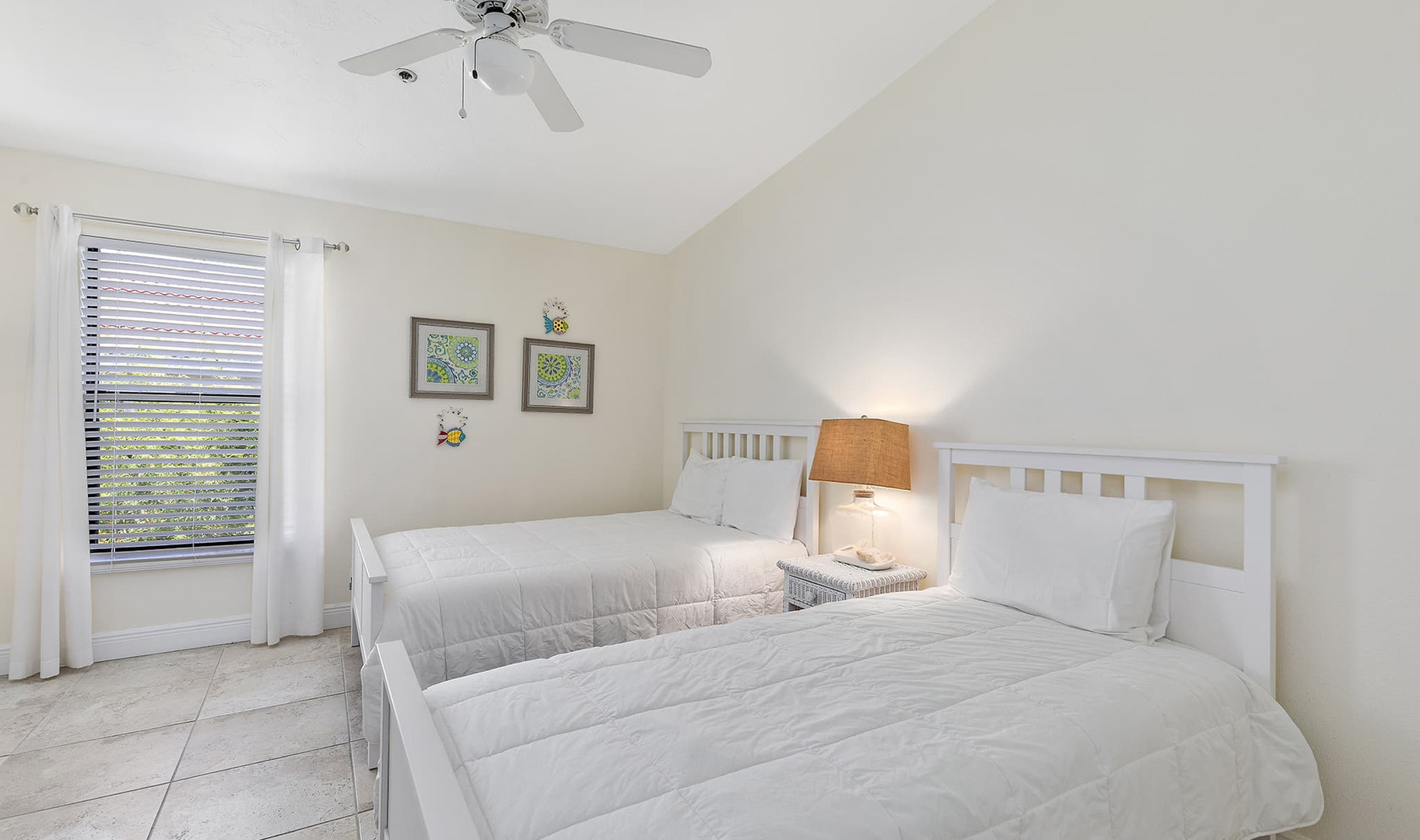 Second bedroom with full size bed and tw