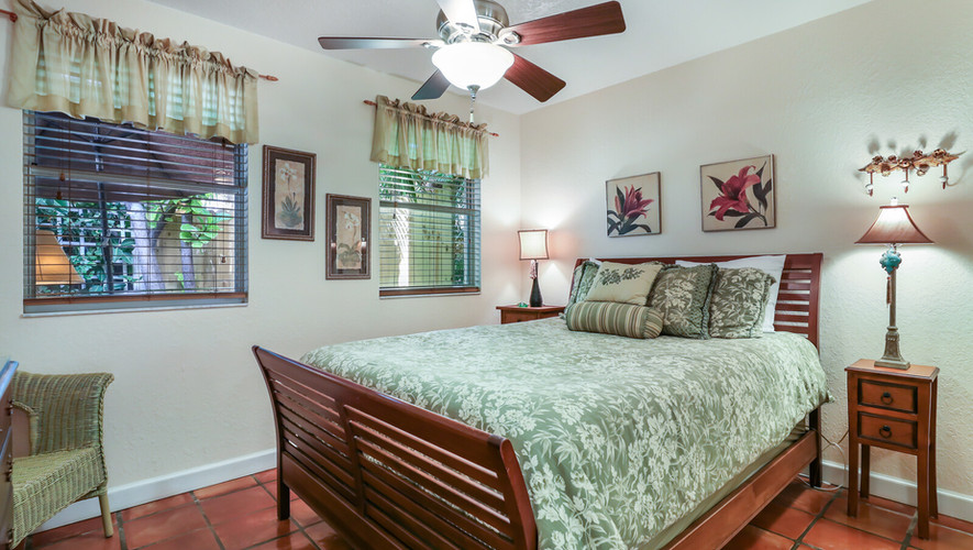 Palm Villa Queen bedroom