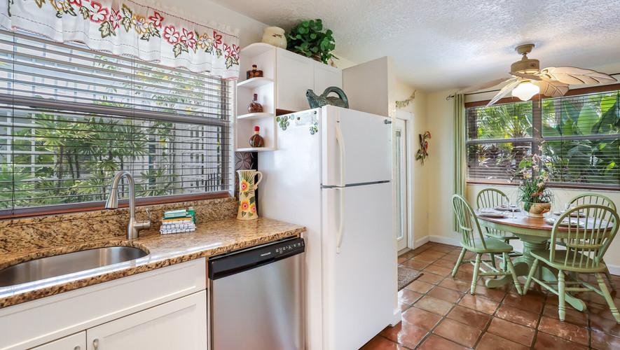 Palm Villa kitchen sink and dishwasher