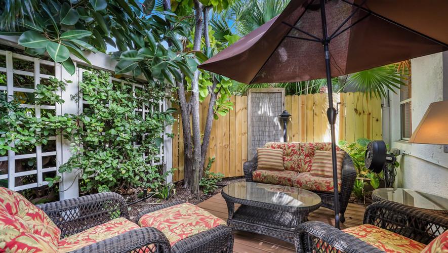 Palm Villa private tropical patio