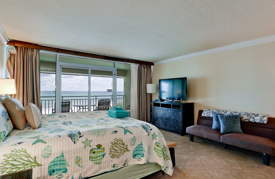 Lay in bed watching tv with a Gulf view!