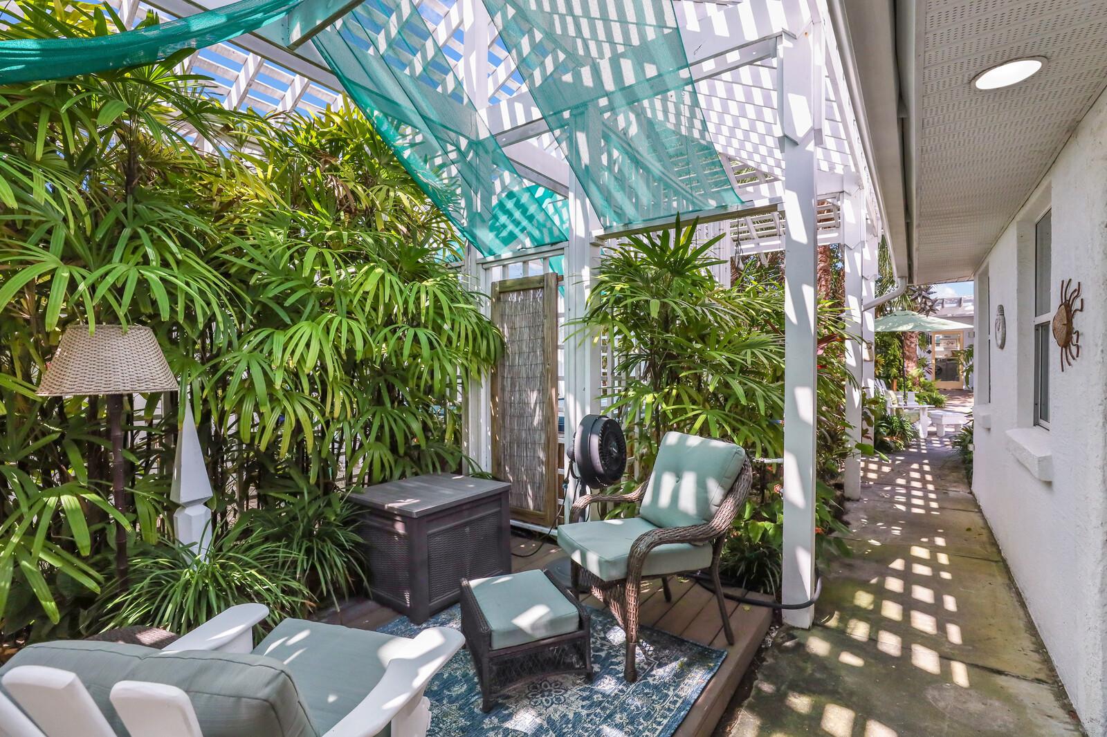 Oleander Villa tropical patio