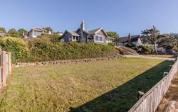 Oceanfront Edgewater Manzanita House Garden