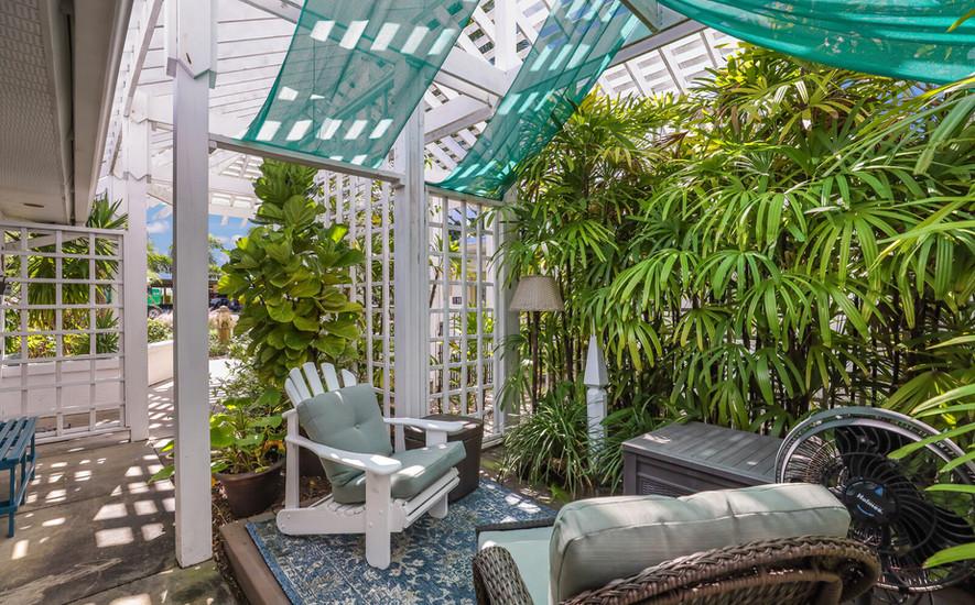 Oleander Villa secluded outdor seating