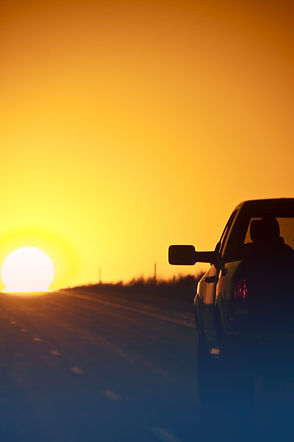 24129958_sunset-outback-highway.jpg