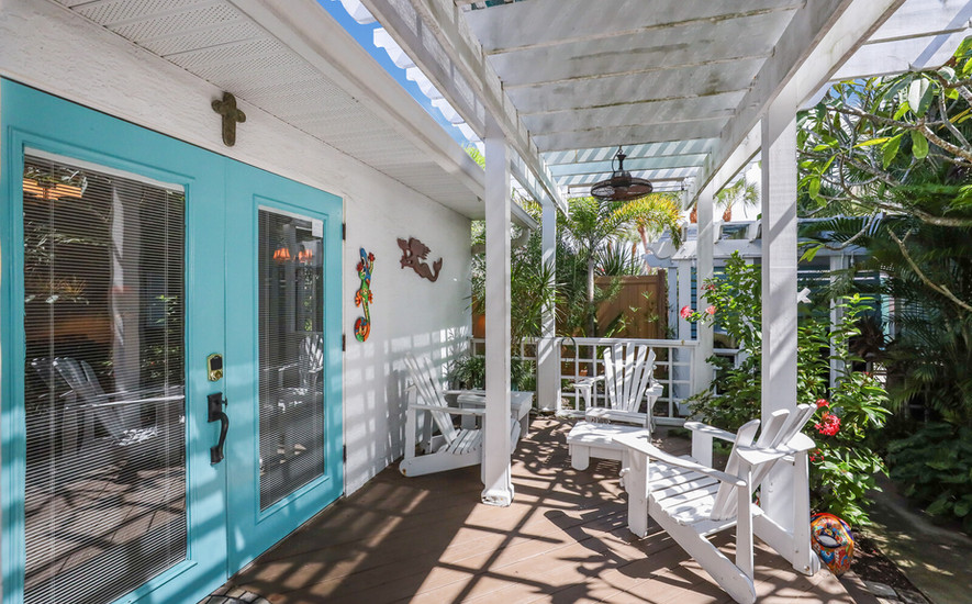 Frangipani Villa private deck seating
