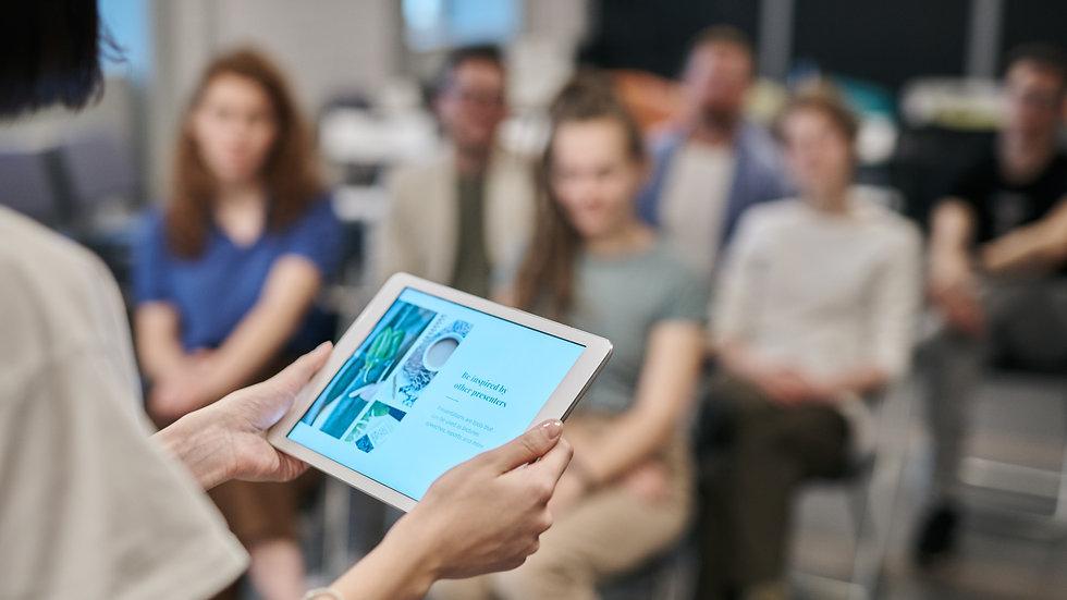 Die digitale Praxis für Erwachsenenbildner*innen