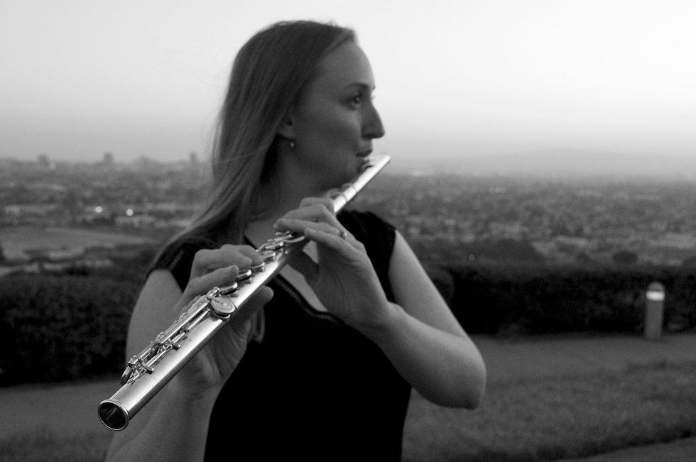 Kim flute signal hill.jpg