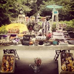 Mesa de dulces con bases Singer