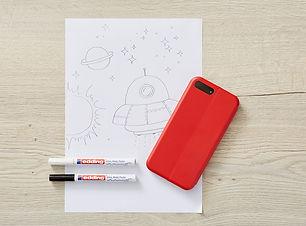 diy-phone-case-decoration-step-01.jpg