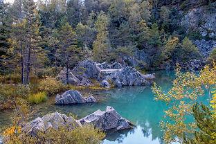 lake-1692640_1920.jpg