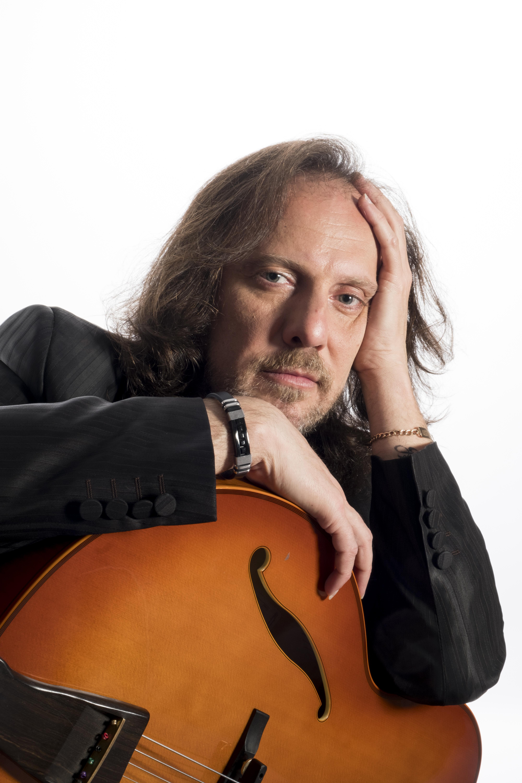 Alejandro Picciano | Tango Guitar