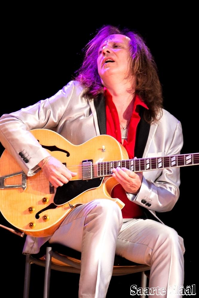 Alejandro Picciano | Guitarrista