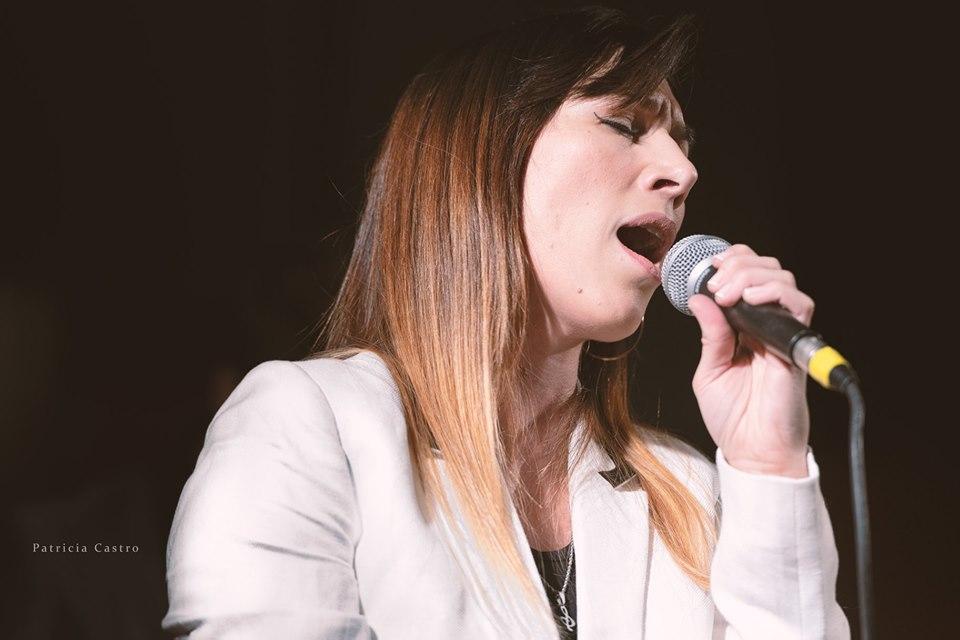 Mel Fernández   Cantante