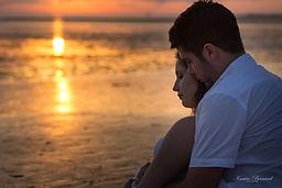 grossesse couple coucher de soleil