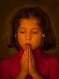 Little Girl Prays