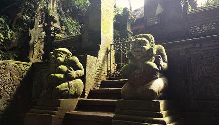 Statues in Uluwatu