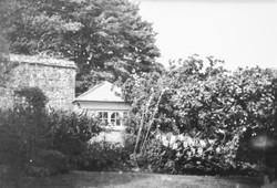 ClovellyGardens_Summer House_B&W_Print_I