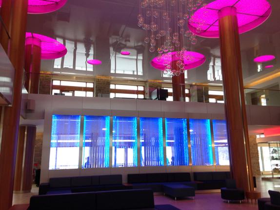 0594-Mur-de-bulles-transparent-hall-hotel-g01.jpg