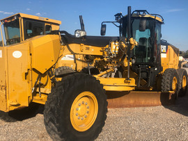 Graders, including Cat 140M2 and 140H