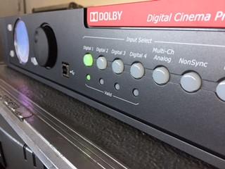 Ca y est! La salle de cinéma de Pépieux est à nouveau opérationnelle ! Après une rénovation complète, nous avons installé un système Dolby Digital 5.1 digne des plus grandes salles !  Enceintes JBL, Dolby CP750, de quoi vibrer sur les effets spéciaux des derniers blockbusters ...!