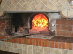 Enjoy your own pizza oven at home