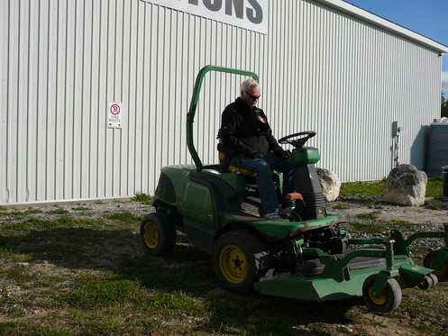 2001 John Deere 4WD Lawnmower