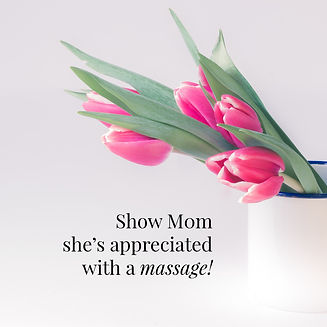 Show-mom-shes-appreciated-with-a-massage