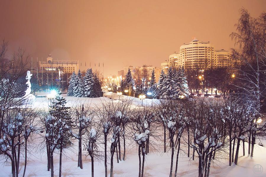 Ночная Пенза 2011, площадь Жукова