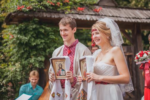 Традиционная украинская свадьба. Свадебная вышиванка и ленты